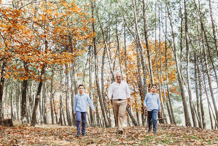 fotografia de familia en otoño