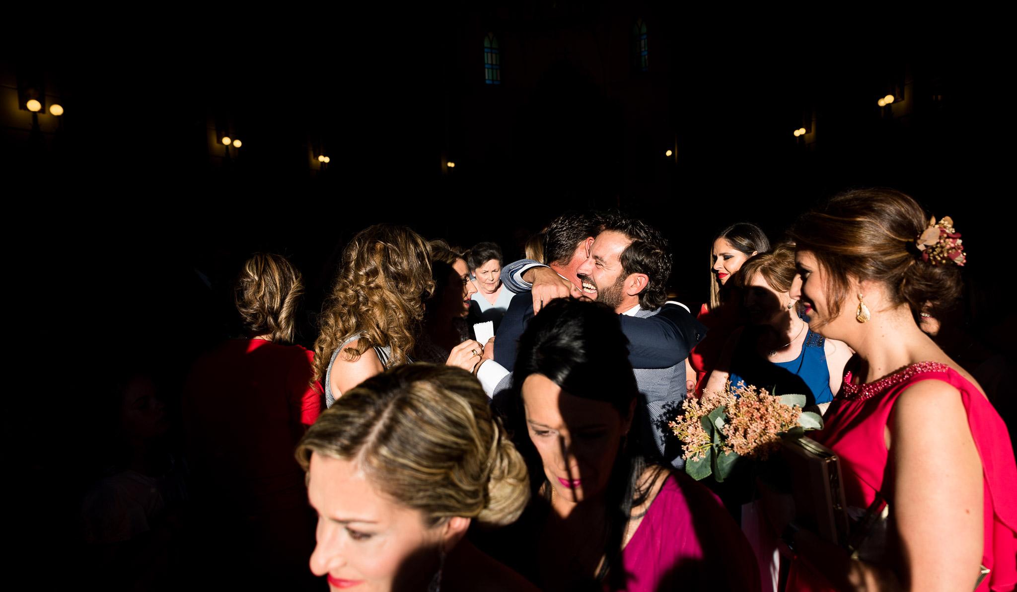 amistad en una boda
